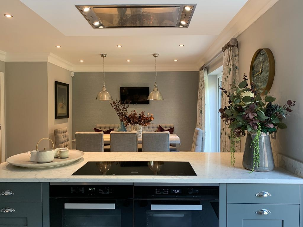 Interior Design Oxted - Central Kitchen Console & Dining Area